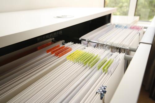 【Houzz】もう溜めこまない! 郵便物を整理する賢い管理方法 2番目の画像