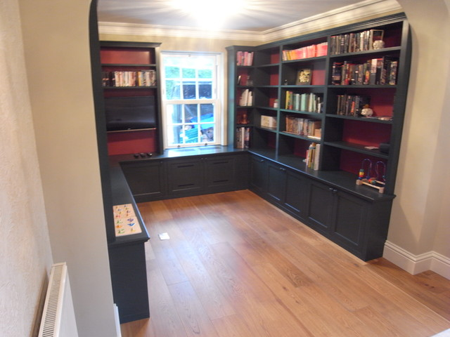 Private Home in Haslemere, Surrey traditional-family-room