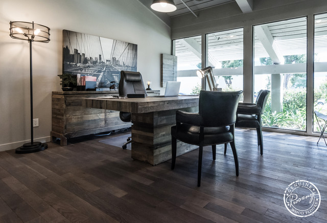 Provenza floors studio moderno installed by hardwood for Moderno furniture