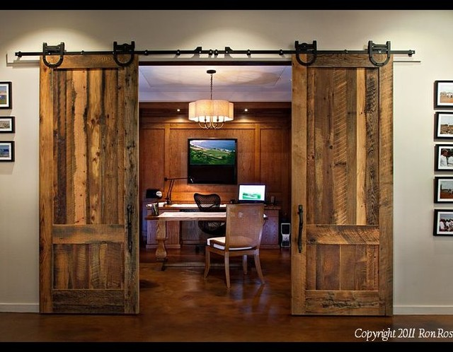 Example Of A Mountain Style Home Office Design In Los Angeles