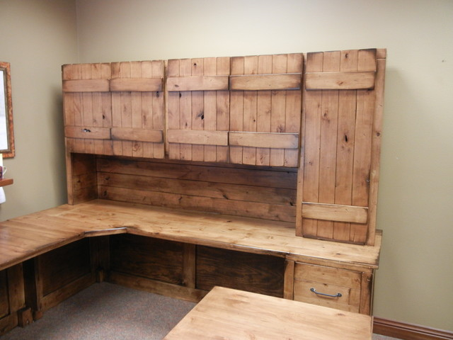 Superbe Inspiration For A Large Farmhouse Freestanding Desk Home Office Remodel In  Omaha