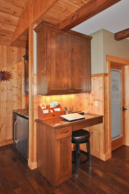 Silver Peak Cabin traditional-home-office