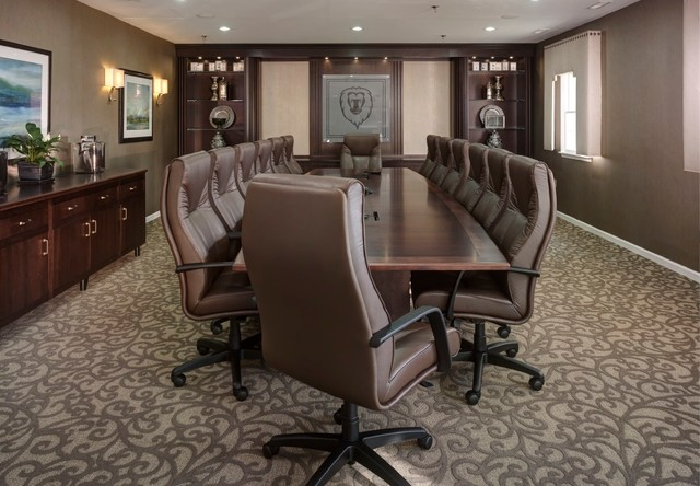 Traditional Corporate Office Design Ideas from st.hzcdn.com