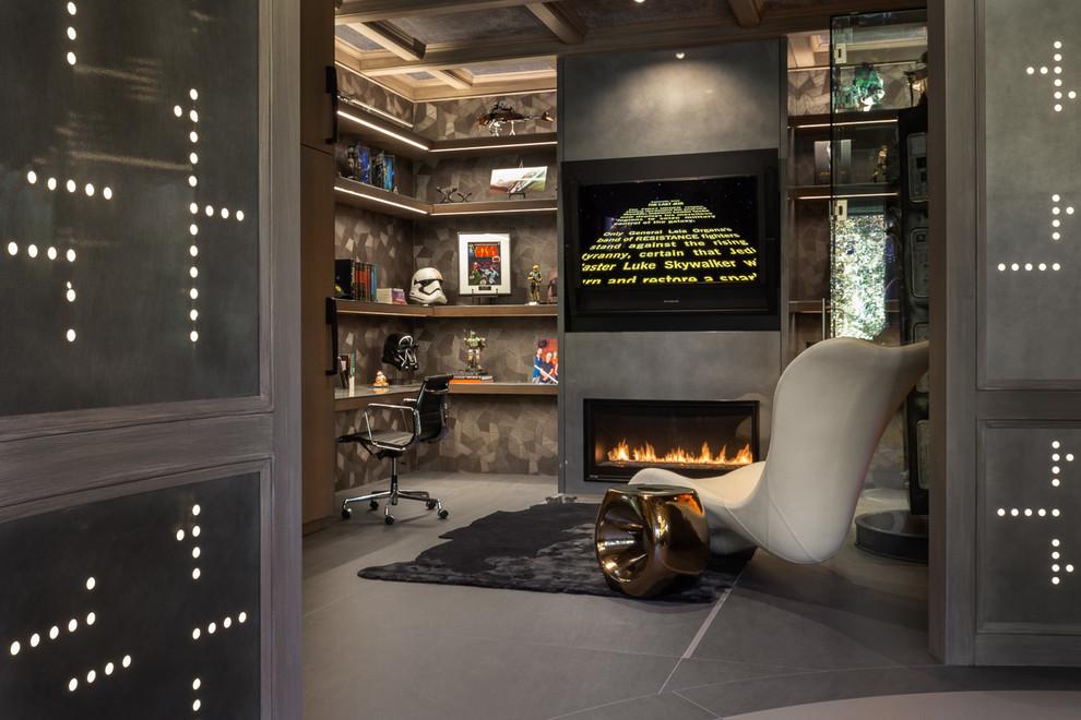 Idee per un ufficio minimal con pareti grigie, camino lineare Ribbon, scrivania incassata e pavimento grigio