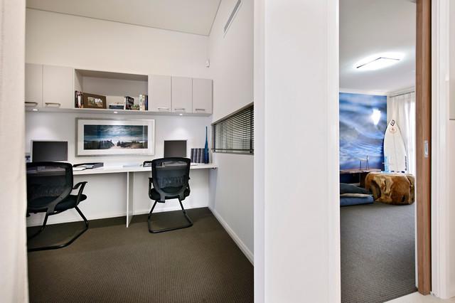 The Gnaraloo Retreat modern-home-office