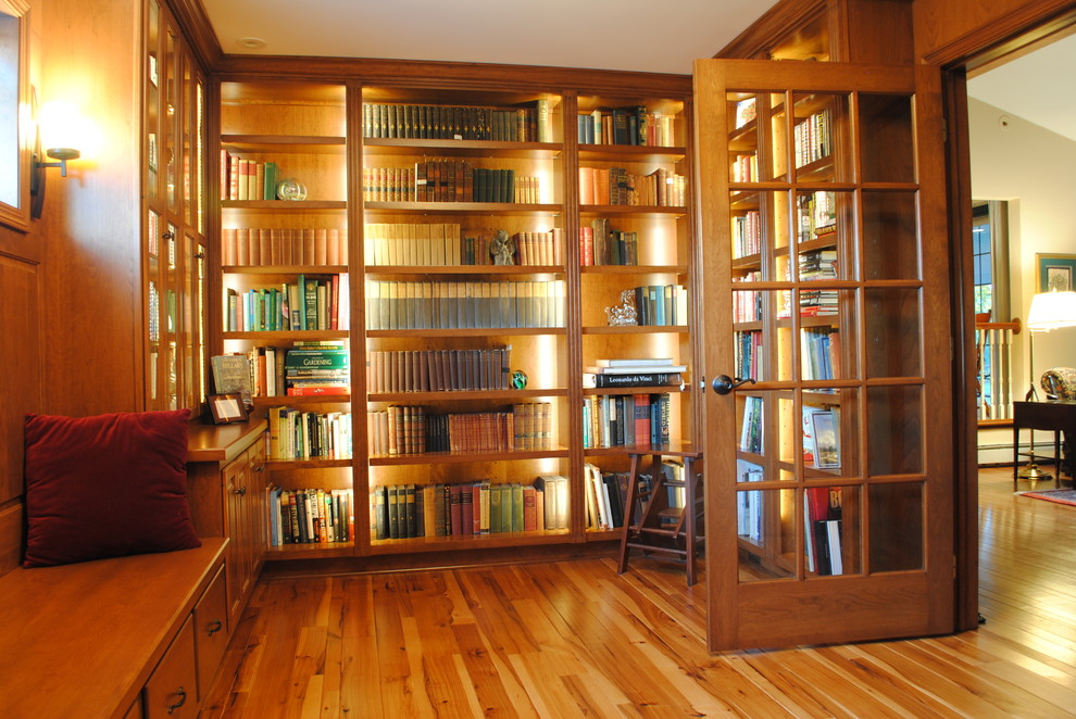 Traditional Akron, Ohio Area Library - Traditional - Home ...