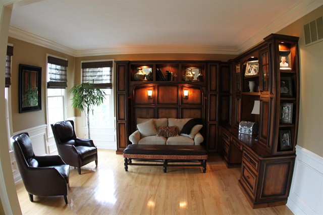 Example of a classic home office design in Indianapolis