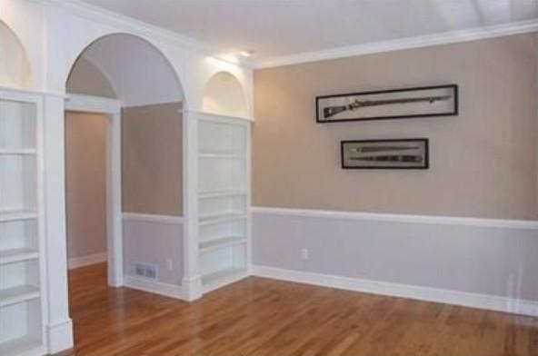 Elegant home office photo in Columbus