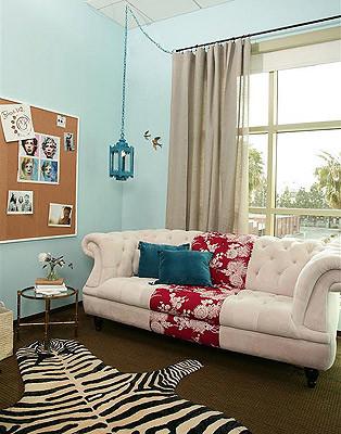Vanessa De Vargas / Turquoise L.A. home-office