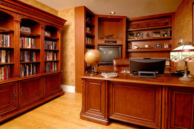 Victorian traditional-home-office