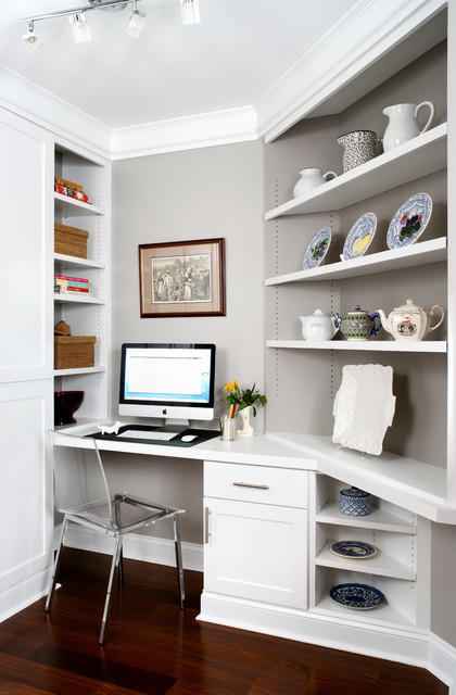 Inspiration for a timeless built-in desk home office remodel in DC Metro
