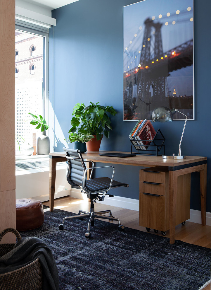 Industrial Study Room: Williamsburg Apartment