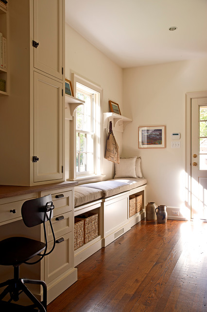 Williamsburg traditional-home-office