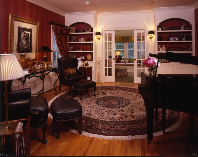A family music room traditional-home-theater