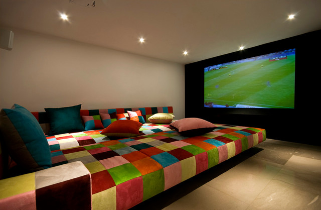 A house at caesarea architects v studio modern home theater tel aviv by moshi gitelis Large couch bed
