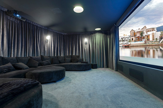 Central Beach House Contemporary Home Theater