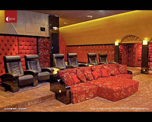 Cineak fortuny luxury seats and custom couch in home for Luxury home theater rooms