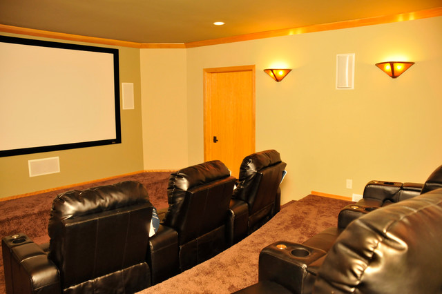 Entertainment Room traditional-home-theater