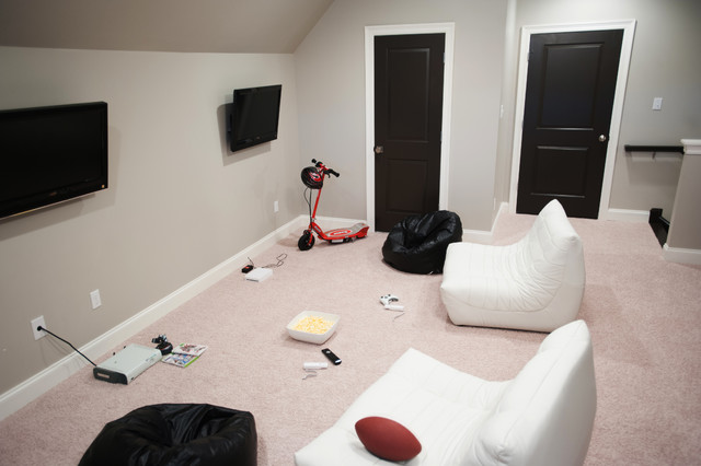 Trendy home theater photo in New Orleans