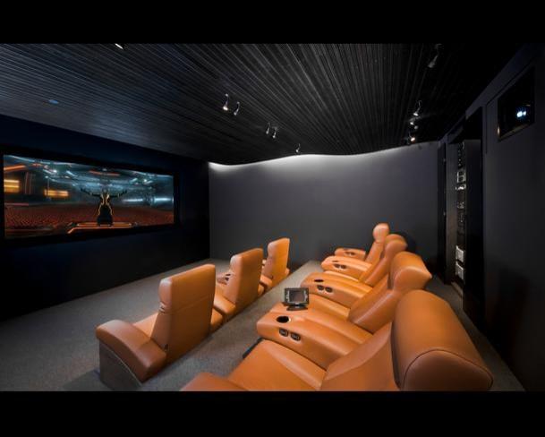 Home theater for 7 - Moderno - Cine en casa - Cleveland - de Man ...