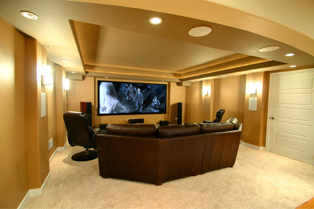 Home theatre with projection TV traditional-home-theater