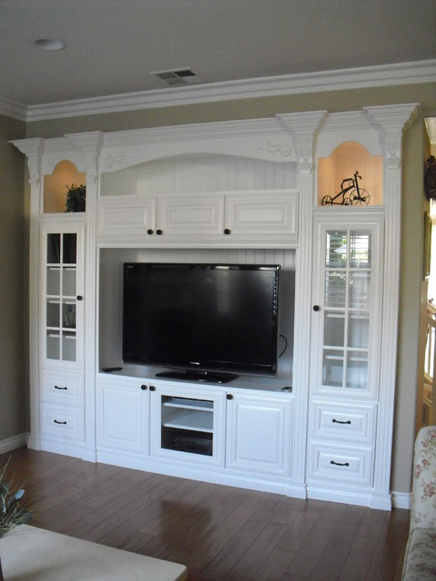 Media Niches - Traditional traditional media room