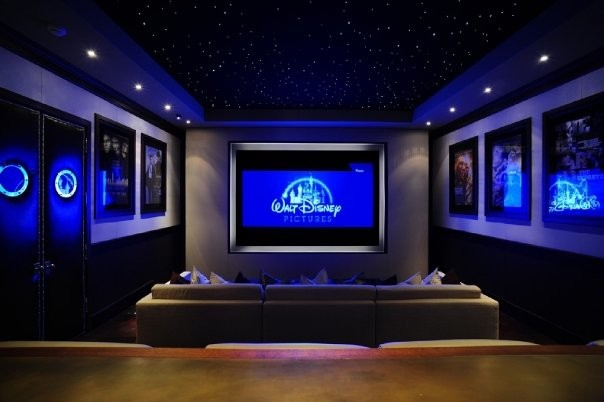MICHAEL MOLTHAN LUXURY HOMES INTERIOR DESIGN GROUP Traditional Home Cinema
