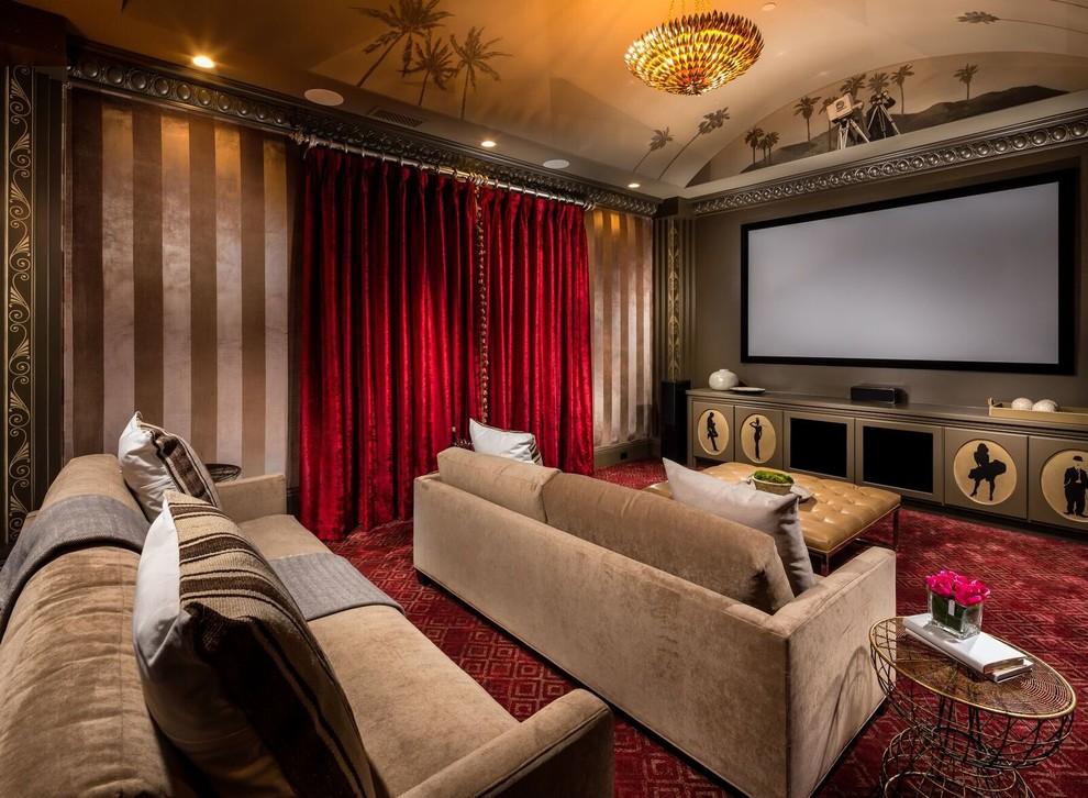 Modelo de cine en casa cerrado, clásico, con paredes beige, moqueta, televisor colgado en la pared y suelo rojo