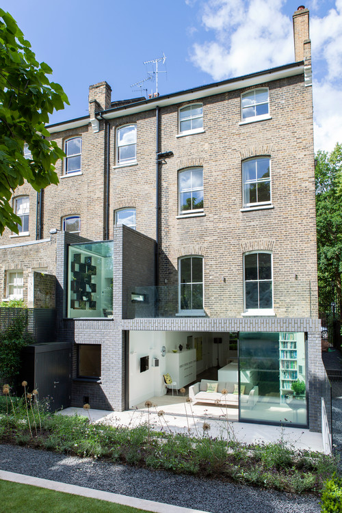 Making a Statement with Two Storey Extensions