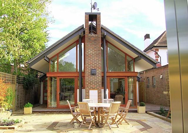 Baum house sw15 for Modern gable roof house