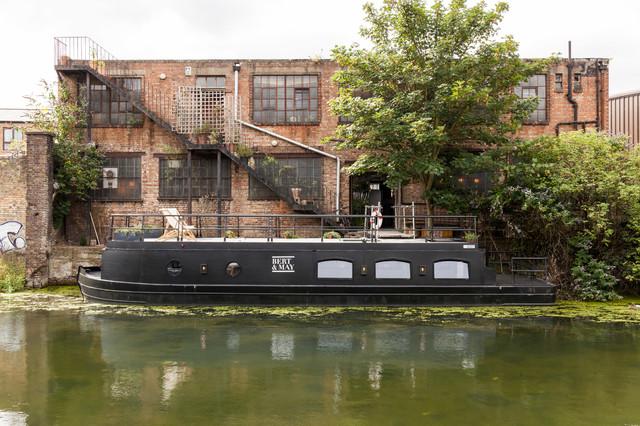 Bert and May Barge industrial-fachada