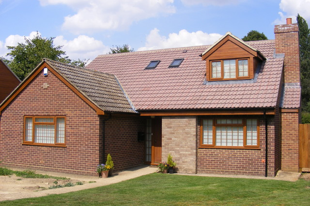 Chalet Bungalow In Woburn Sands Traditional Exterior
