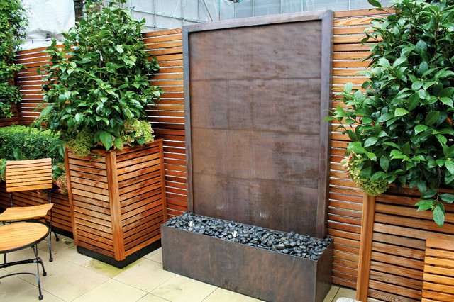 Copper wall water fountain contemporary landscape for Garden water wall designs