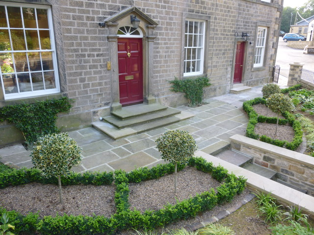 Formal town garden to a listed georgian house for Georgian landscape design