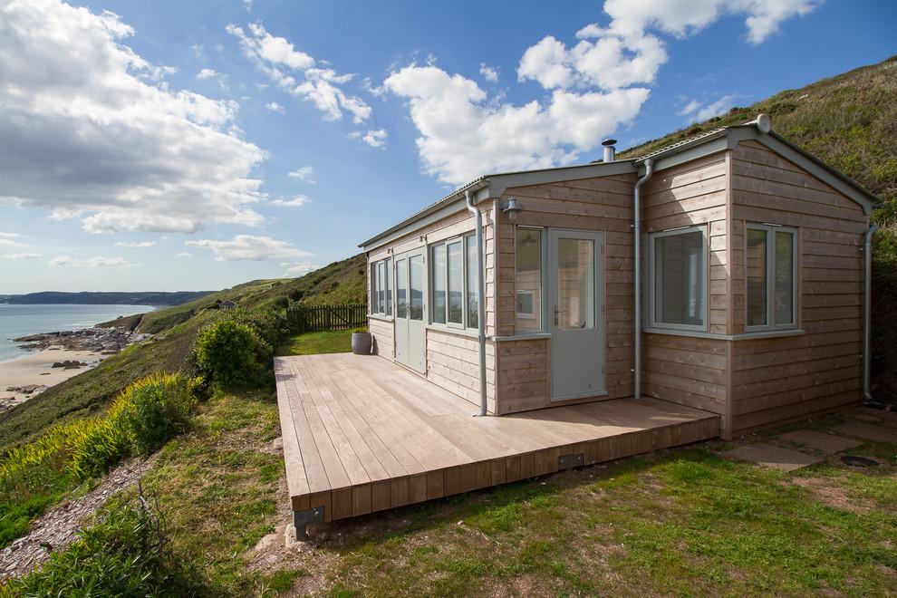Coastal exterior home idea in Cornwall