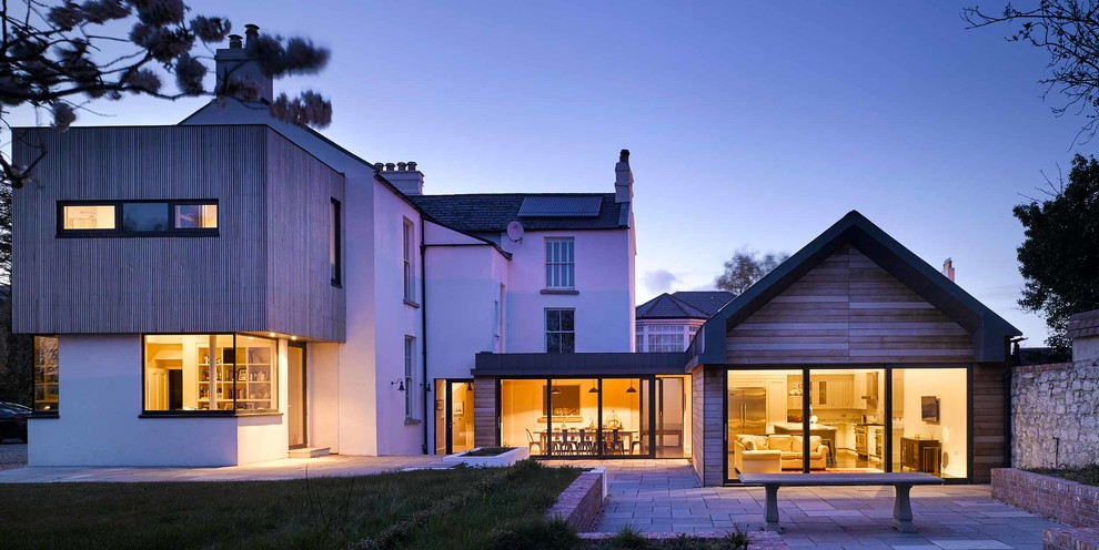How to Aesthetically Blend a Home Extension Into Your Existing Property