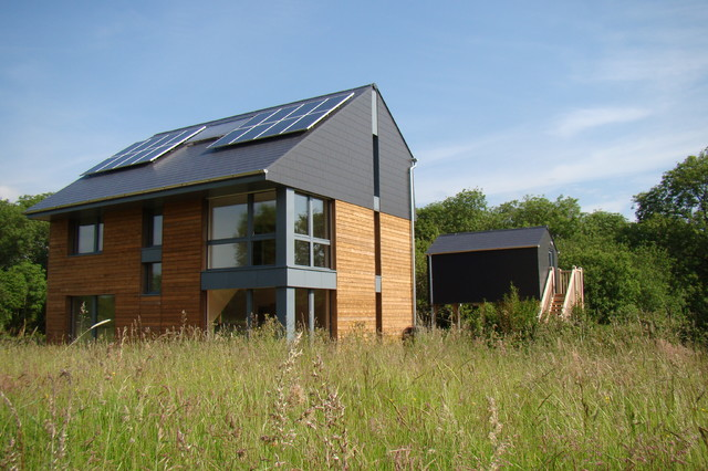 Howe Park Passive House - Modern - Exterior - Buckinghamshire - by Eco Design Consultants