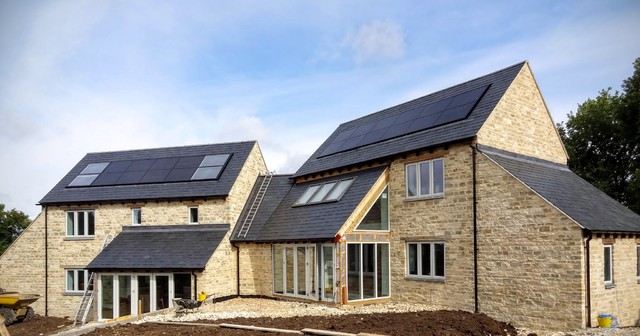 Low energy house contemporary exterior oxfordshire for Low energy home designs
