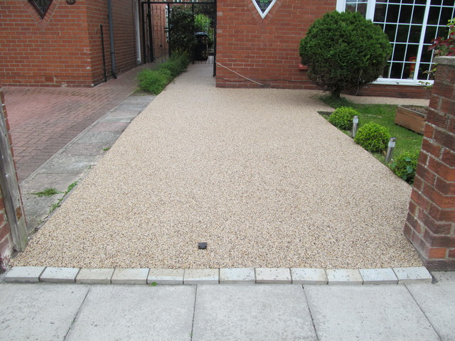 PEBBLE MAGIC Permeable Domestic Resin Bound Paving