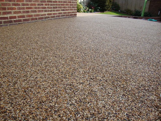 PEBBLE MAGIC RESIN BOUND SURFACES PAVING DRIVES GRAVEL  : modern exterior from www.houzz.com size 640 x 480 jpeg 182kB