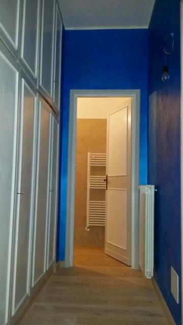 Arredo interni disimpegno moderno corridoio roma for Arredo interni moderno