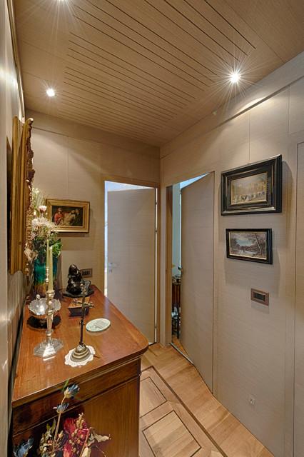 Arredamento corridoio moderno hh24 pineglen - Mobili per corridoi ...