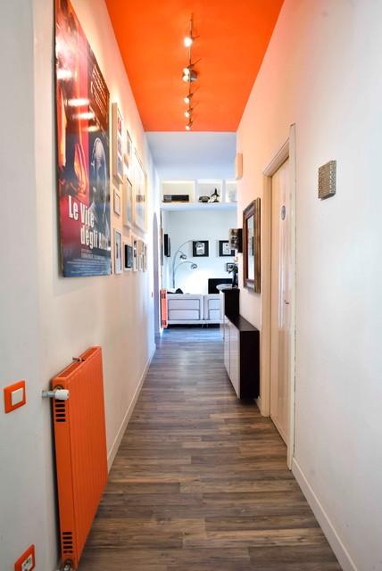 Casa j s corridoio moderno corridoio roma di hooome - Abbassare il soffitto ...
