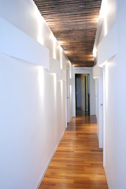 Villa amoras for Arredare corridoio stretto e corto