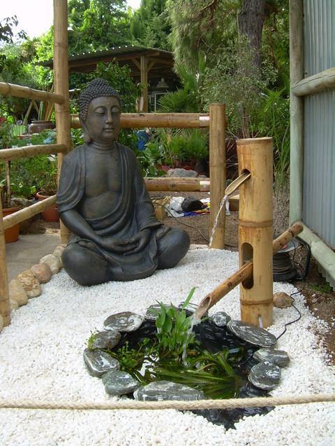 Buda con fuente shishi odoshi - Buda jardin ...