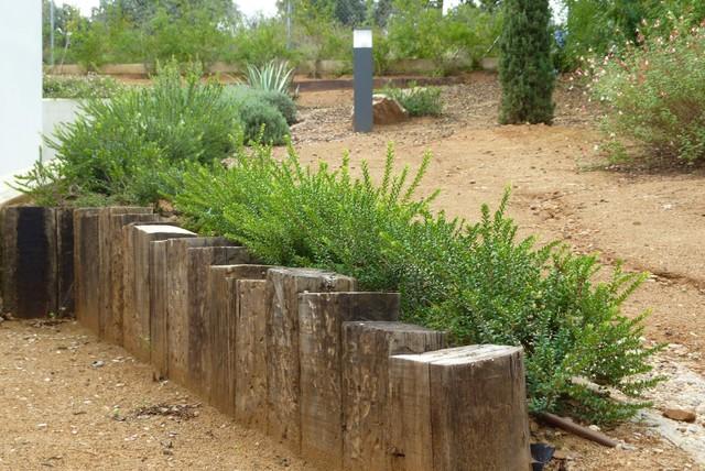 Jard n en vivienda de dise o m rida mediterr neo for Diseno jardin mediterraneo
