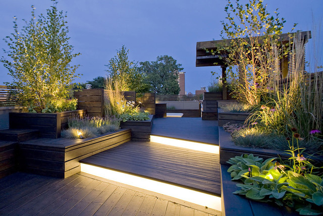 Design ideas for a large contemporary garden in Madrid.