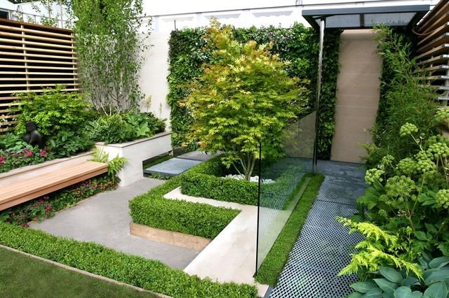 Cette photo montre un jardin tendance de taille moyenne.