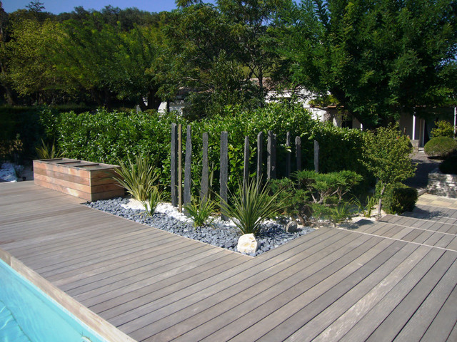 Am nagement d 39 un tour de piscine dans les c vennes for Amenagement de jardin contemporain