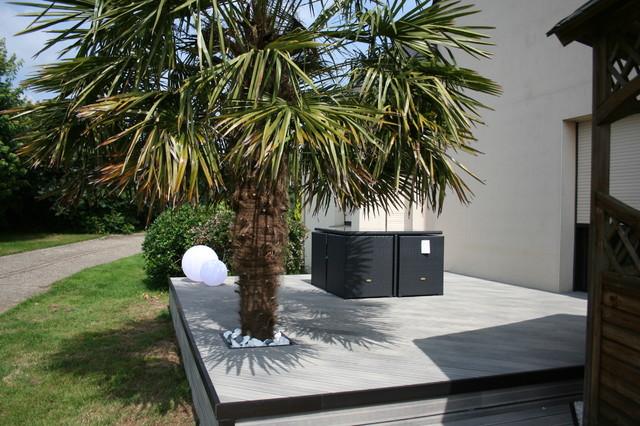 Am nagement d 39 une terrasse en bois composite gris - Deco de jardin moderne ...